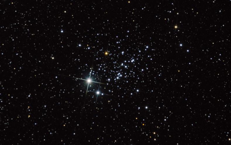 Стрекоза NGC 457 — традиционное расположение