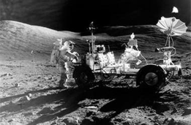 На Луне воды в 100 раз больше